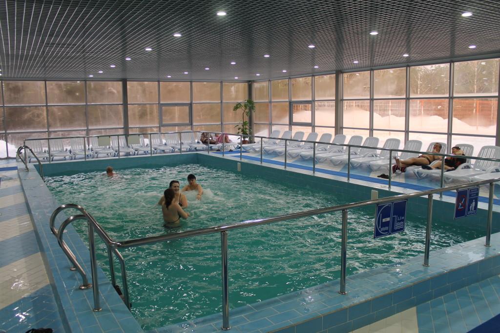 бассейн с пресной водой горячий источник Акварель Туринск