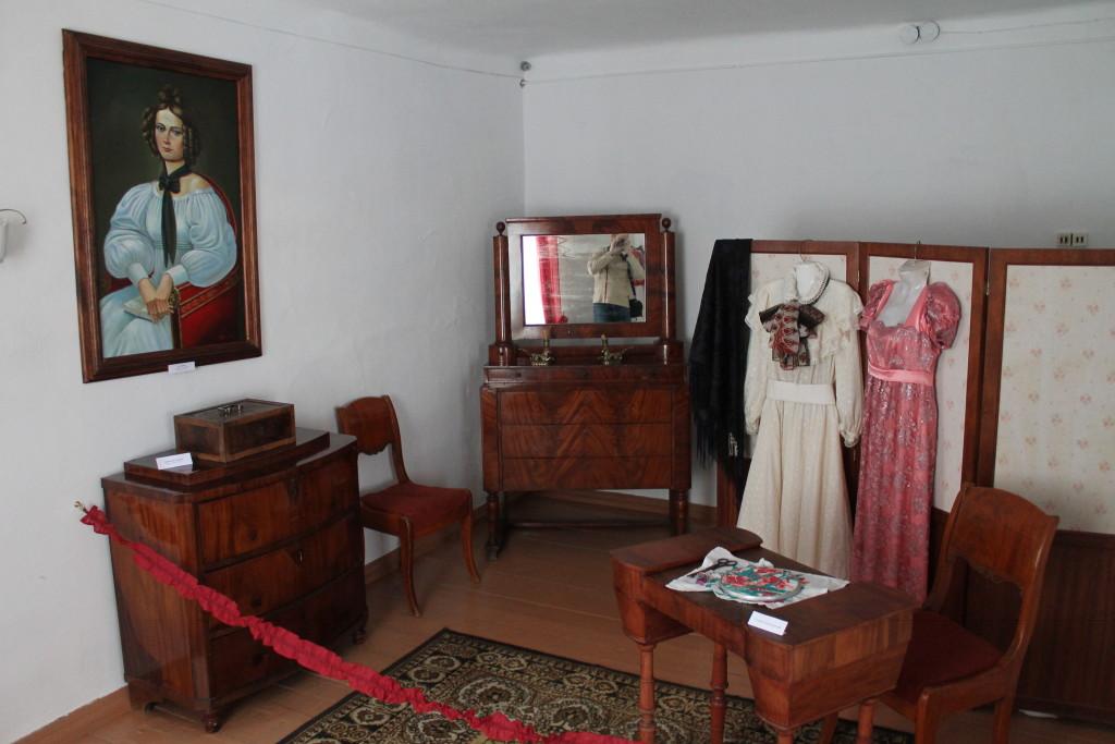 Туринск. Комната Камиллы Петровны Ивашевой