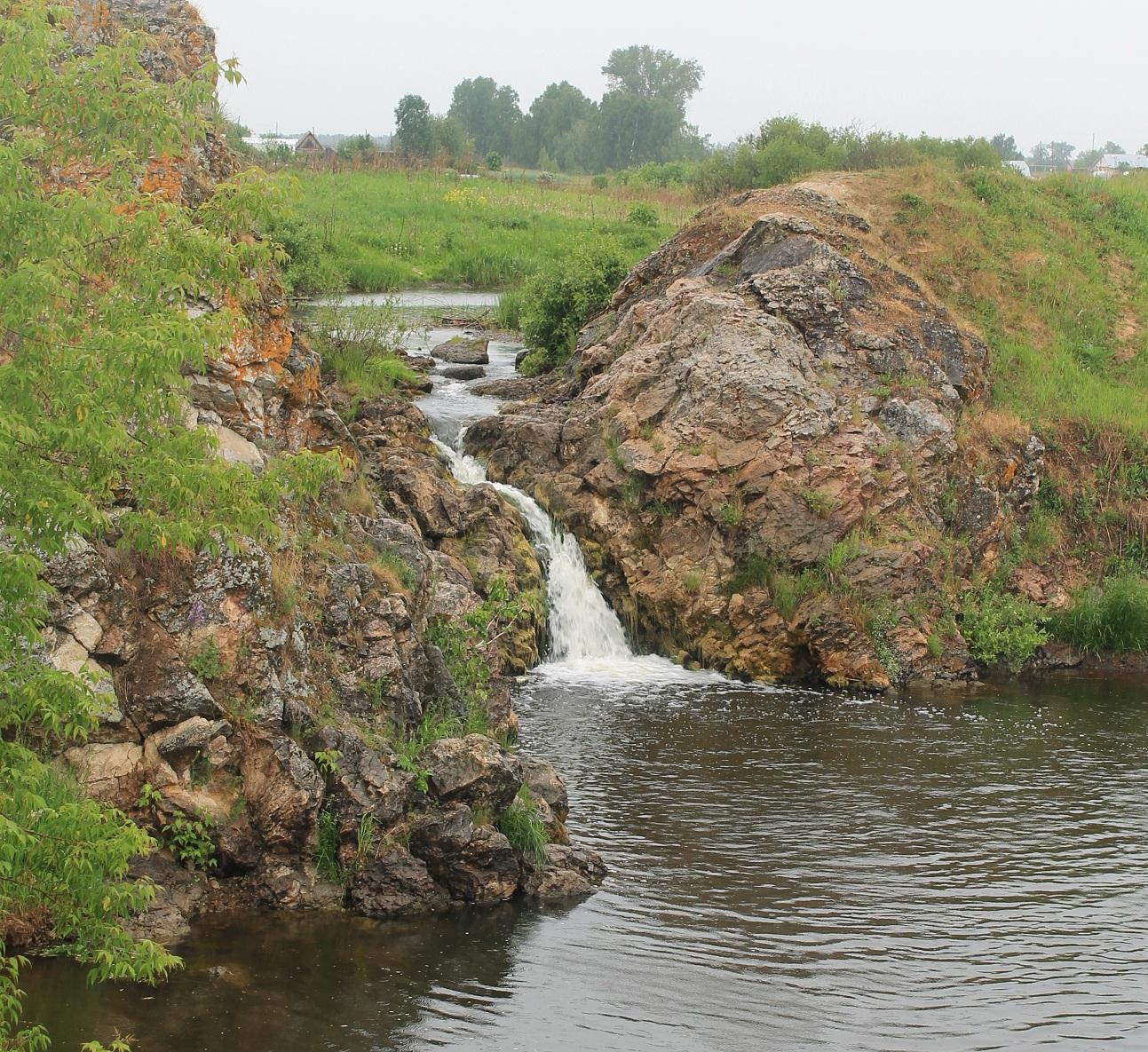 водопад на реке Большая Калиновка
