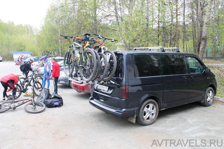 микроавтобус с велокреплением