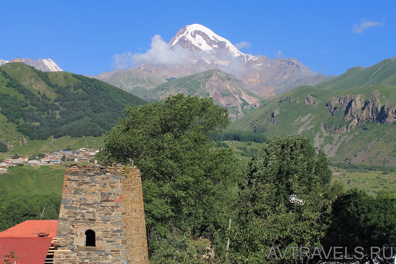 вид на гору Казбек из Степанцминды