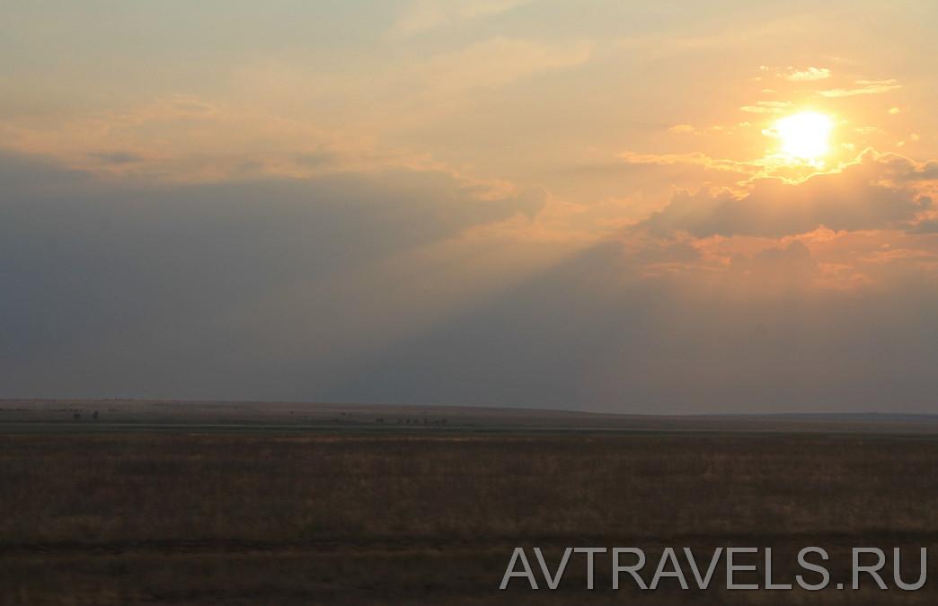закат над калмыцкой степью