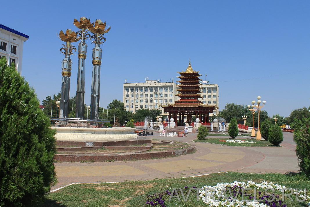 центральная площадь Элиста