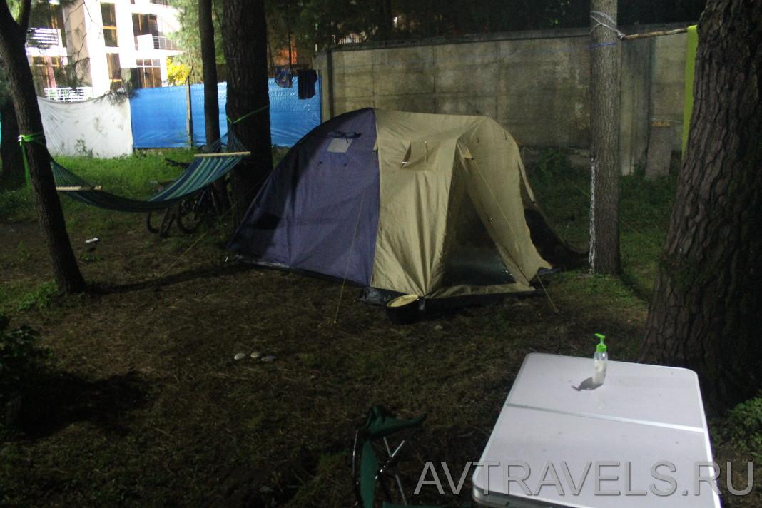 палаточный кемпинг на море в Грузии