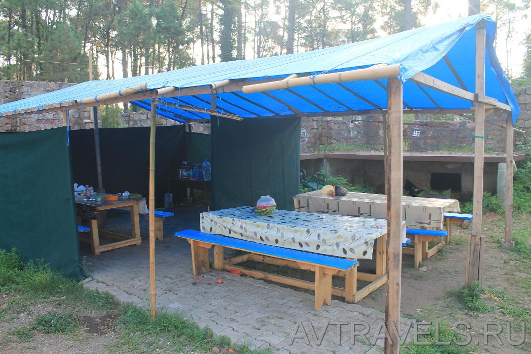 летняя кухня палаточный лагерь Geocamp Грузия